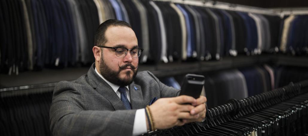 mens wearhouse connecte ses vendeurs